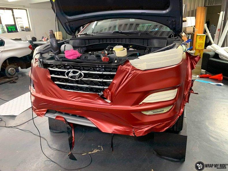 Hyundai Tucson satin vampire red, Carwrapping door Wrapmyride.nu Foto-nr:13185, ©2021