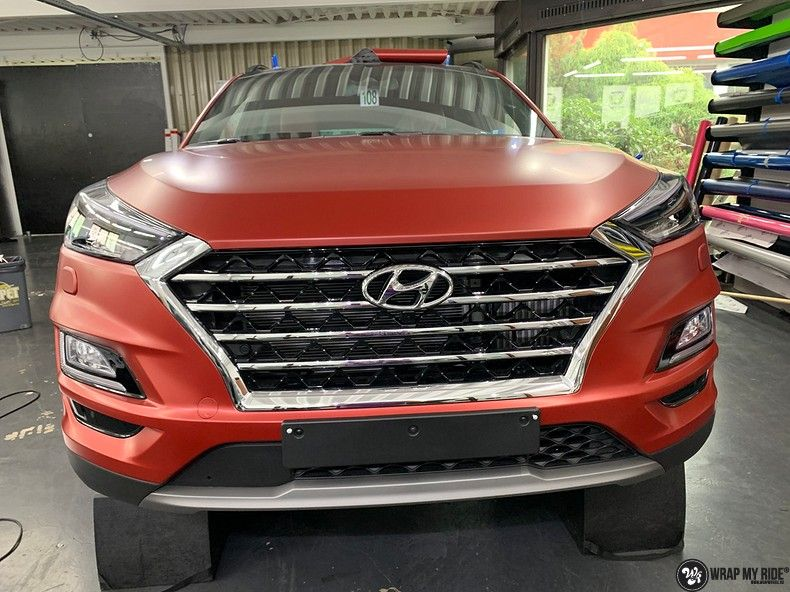 Hyundai Tucson satin vampire red, Carwrapping door Wrapmyride.nu Foto-nr:13188, ©2021