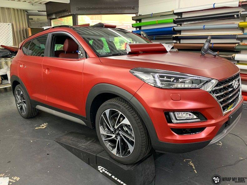 Hyundai Tucson satin vampire red, Carwrapping door Wrapmyride.nu Foto-nr:13189, ©2021