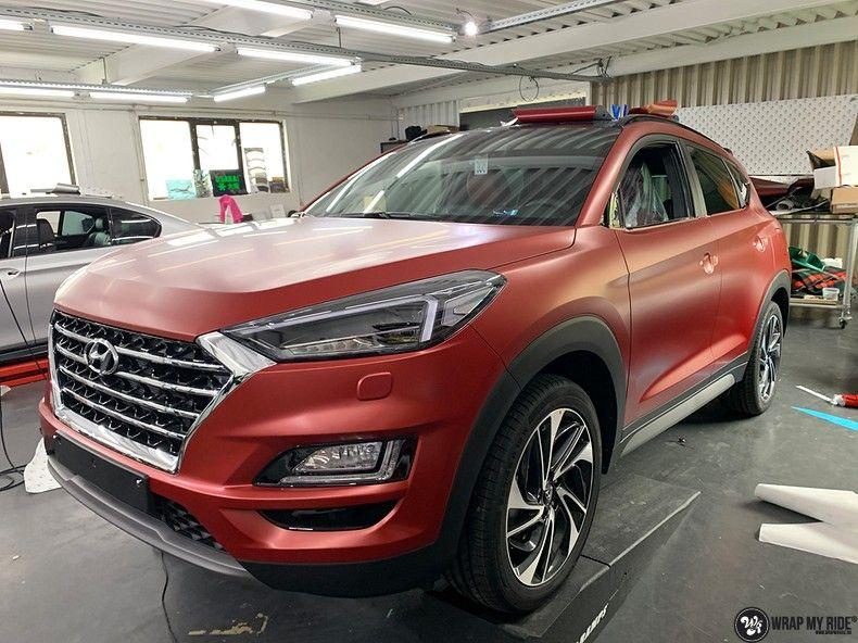 Hyundai Tucson satin vampire red, Carwrapping door Wrapmyride.nu Foto-nr:13191, ©2021