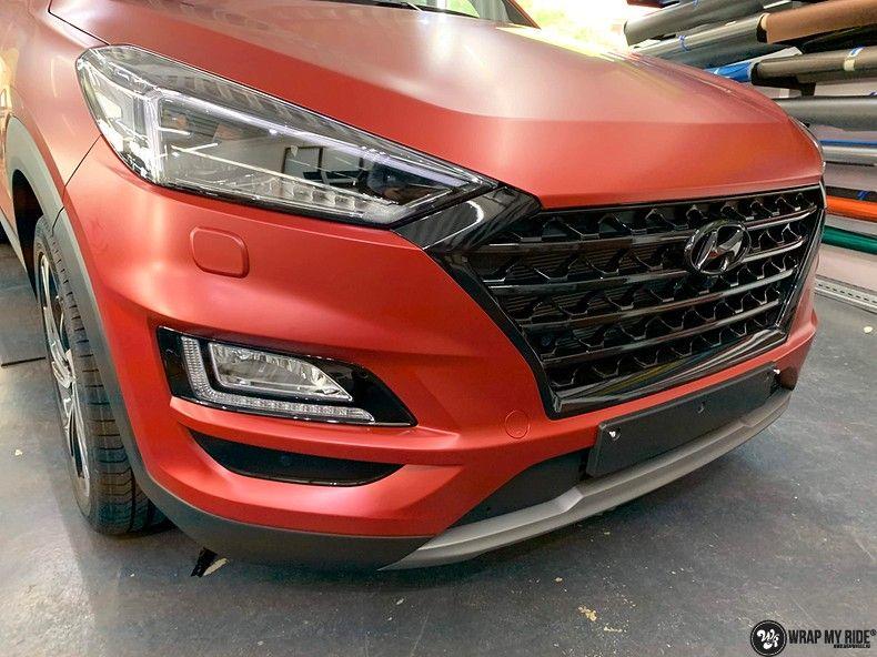 Hyundai Tucson satin vampire red, Carwrapping door Wrapmyride.nu Foto-nr:13193, ©2020