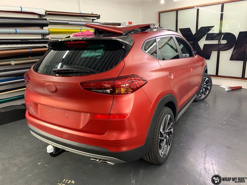 Hyundai Tucson satin vampire red, Carwrapping door Wrapmyride.nu Foto-nr:13194, ©2020