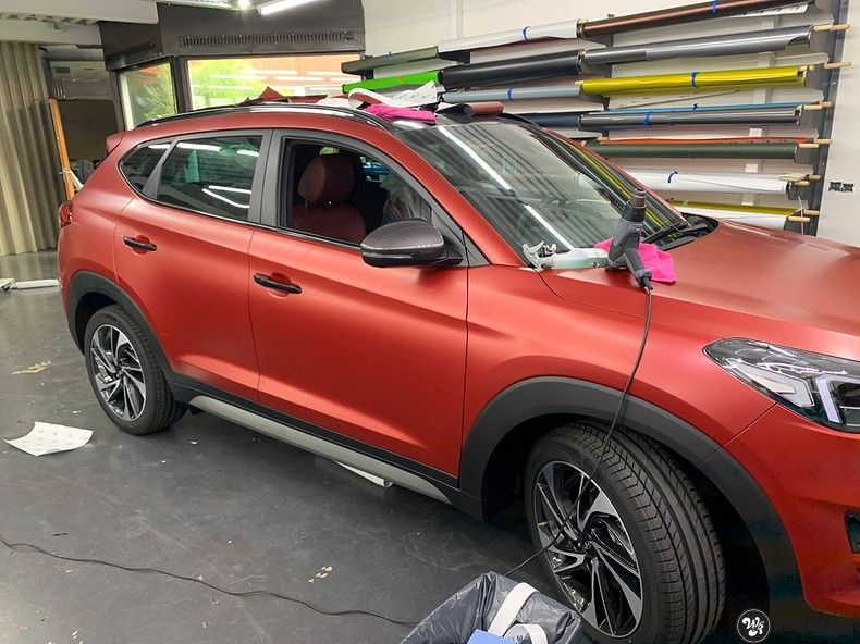 Hyundai Tucson satin vampire red, Carwrapping door Wrapmyride.nu Foto-nr:13195, ©2021