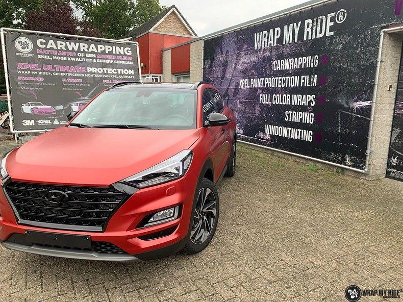 Hyundai Tucson satin vampire red, Carwrapping door Wrapmyride.nu Foto-nr:13200, ©2021