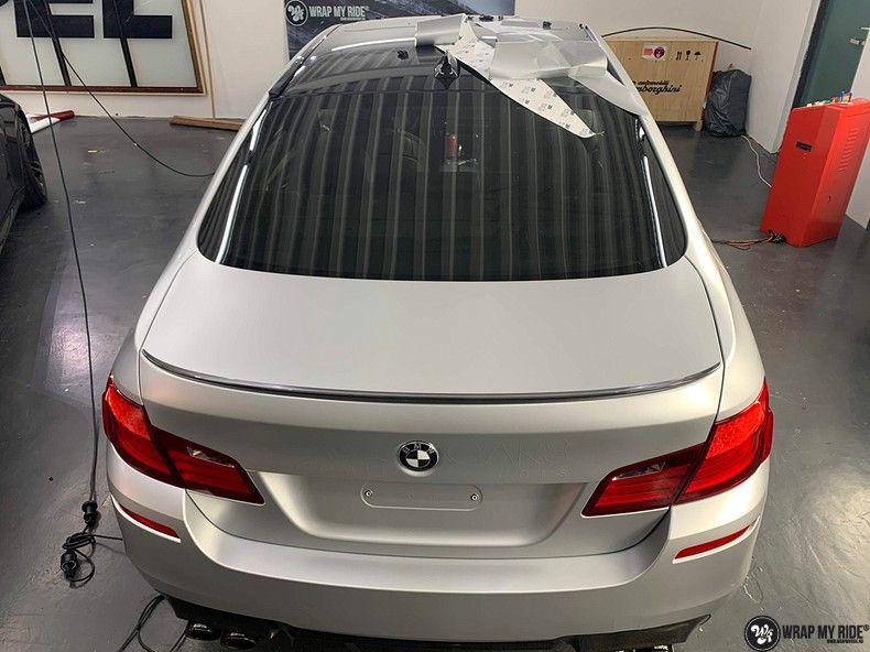 BMW M5 satin white aluminium, Carwrapping door Wrapmyride.nu Foto-nr:13135, ©2020
