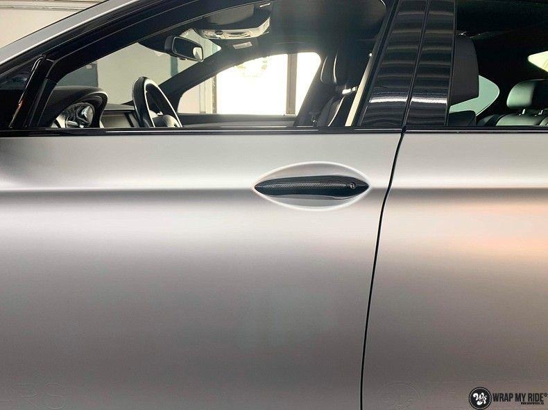 BMW M5 satin white aluminium, Carwrapping door Wrapmyride.nu Foto-nr:13143, ©2020