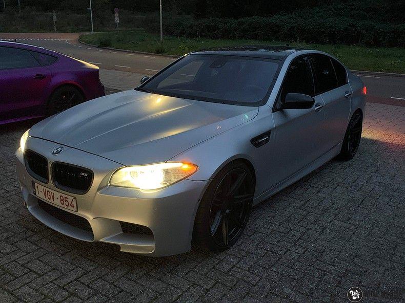 BMW M5 satin white aluminium, Carwrapping door Wrapmyride.nu Foto-nr:13146, ©2021