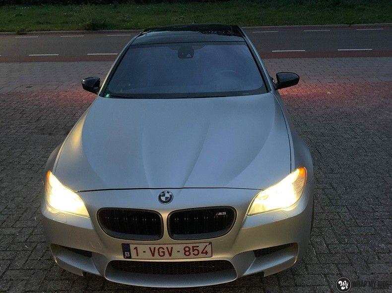 BMW M5 satin white aluminium, Carwrapping door Wrapmyride.nu Foto-nr:13147, ©2020