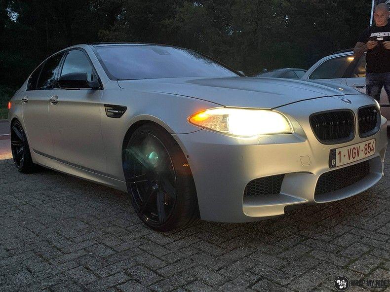 BMW M5 satin white aluminium, Carwrapping door Wrapmyride.nu Foto-nr:13149, ©2021