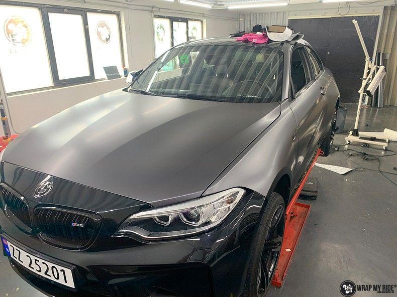 BMW M2 Satin dark grey, Carwrapping door Wrapmyride.nu Foto-nr:13078, ©2021