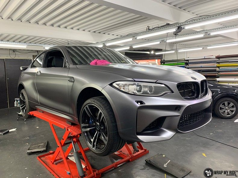 BMW M2 Satin dark grey, Carwrapping door Wrapmyride.nu Foto-nr:13102, ©2020
