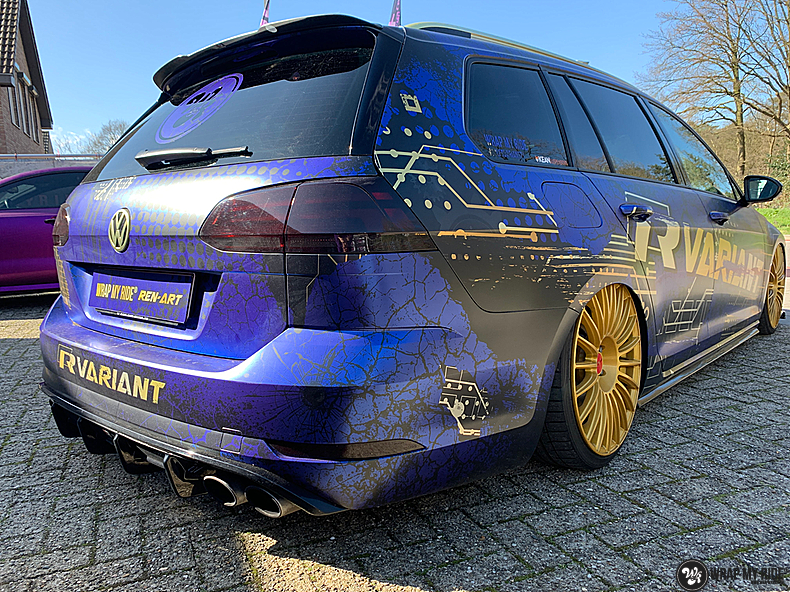 VW golf 7,5 R Variant, Carwrapping door Wrapmyride.nu Foto-nr:13981, ©2021