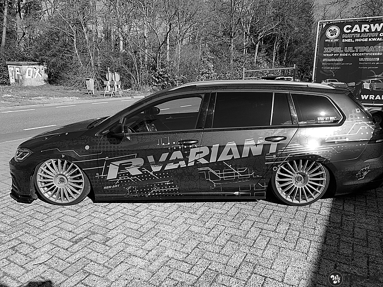 VW golf 7,5 R Variant, Carwrapping door Wrapmyride.nu Foto-nr:13974, ©2021