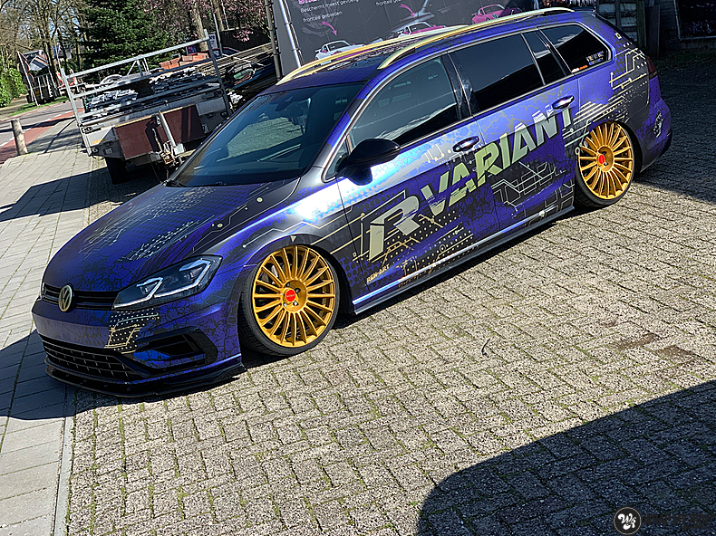 VW golf 7,5 R Variant, Carwrapping door Wrapmyride.nu Foto-nr:13966, ©2021