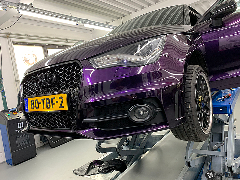 Audi A1 inozotec midnight purple, Carwrapping door Wrapmyride.nu Foto-nr:13727, ©2021