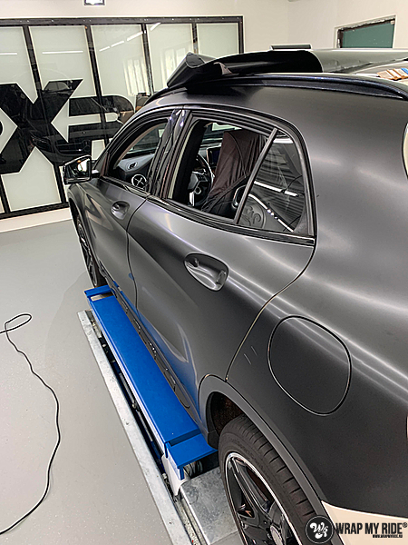 mercedes GLA Satin Black, Carwrapping door Wrapmyride.nu Foto-nr:13352, ©2020