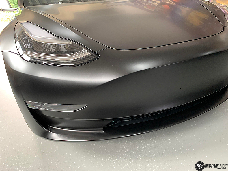 tesla model 3 Satin Black, Carwrapping door Wrapmyride.nu Foto-nr:13497, ©2020