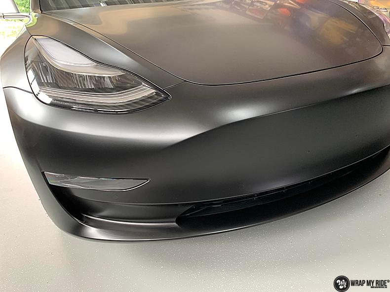 tesla model 3 Satin Black, Carwrapping door Wrapmyride.nu Foto-nr:13497, ©2021