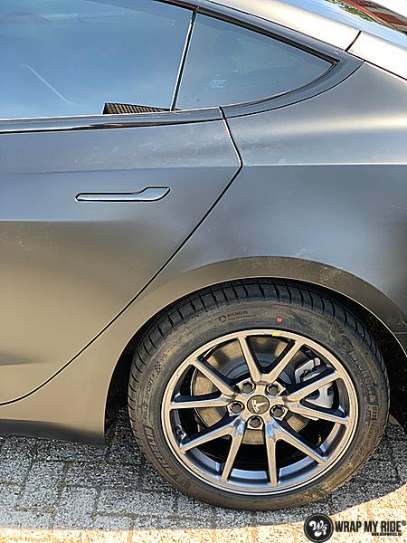 tesla model 3 Satin Black, Carwrapping door Wrapmyride.nu Foto-nr:13505, ©2021