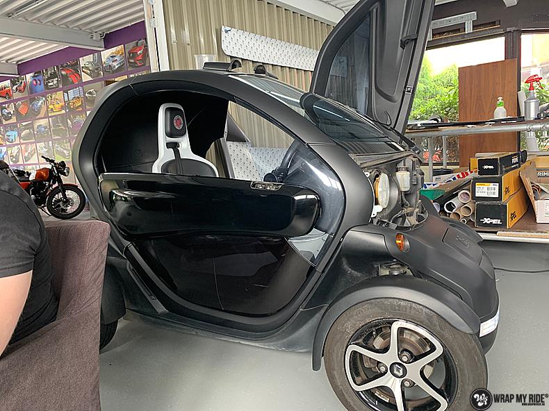 Renault Twizzy matte aluminium grey, Carwrapping door Wrapmyride.nu Foto-nr:13554, ©2021