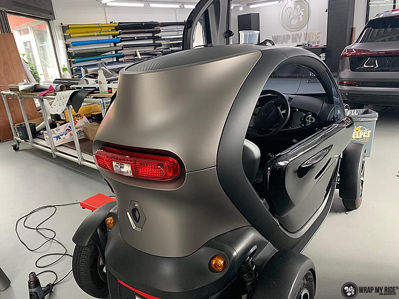 Renault Twizzy matte aluminium grey, Carwrapping door Wrapmyride.nu Foto-nr:13555, ©2021