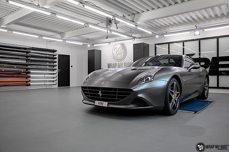 Ferrari California satin dark grey, Carwrapping door Wrapmyride.nu Foto-nr:13866, ©2020