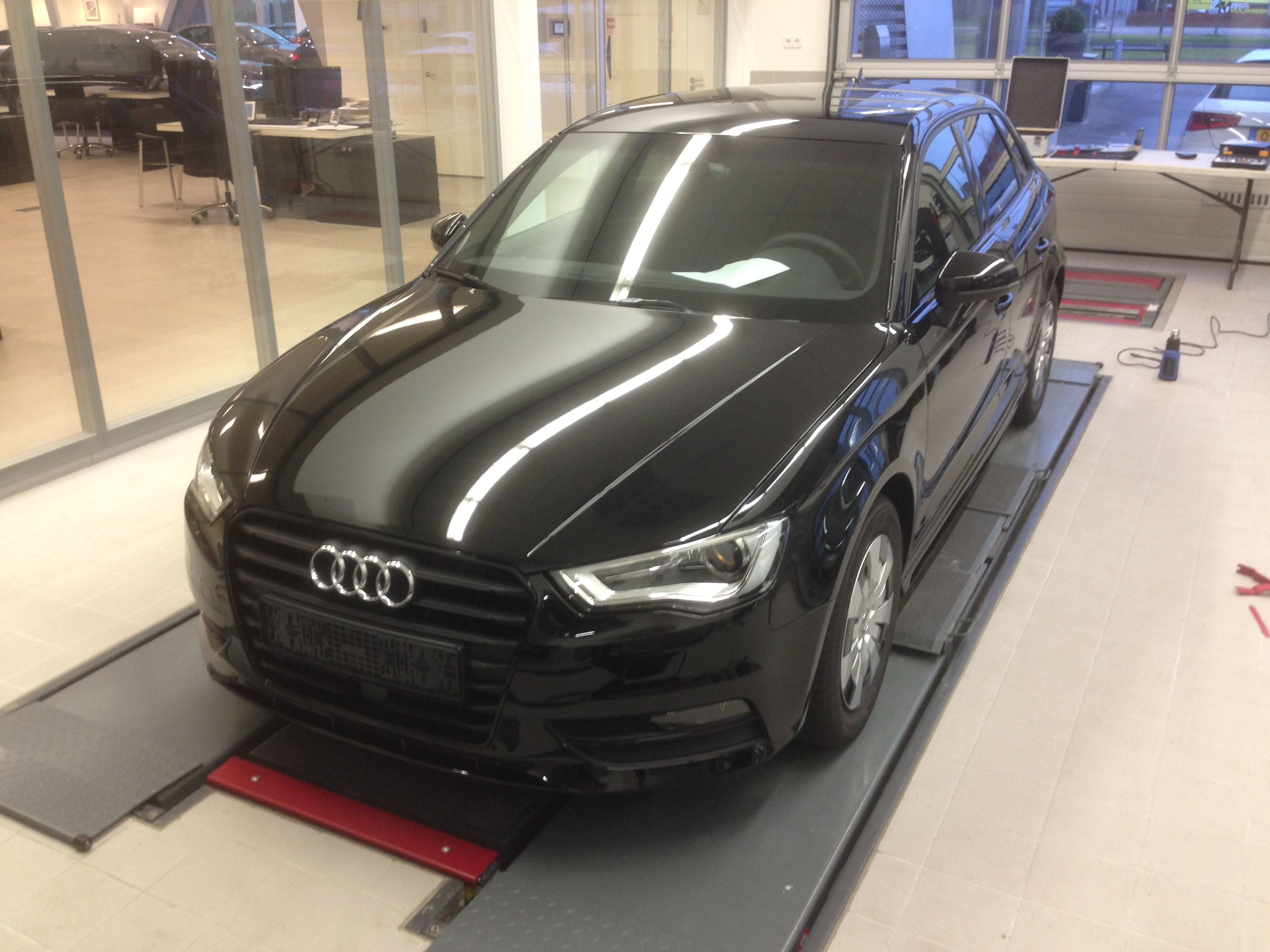 Audi A3 2014 met Mat Zwarte Wrap, Carwrapping door Wrapmyride.nu Foto-nr:4459, ©2021