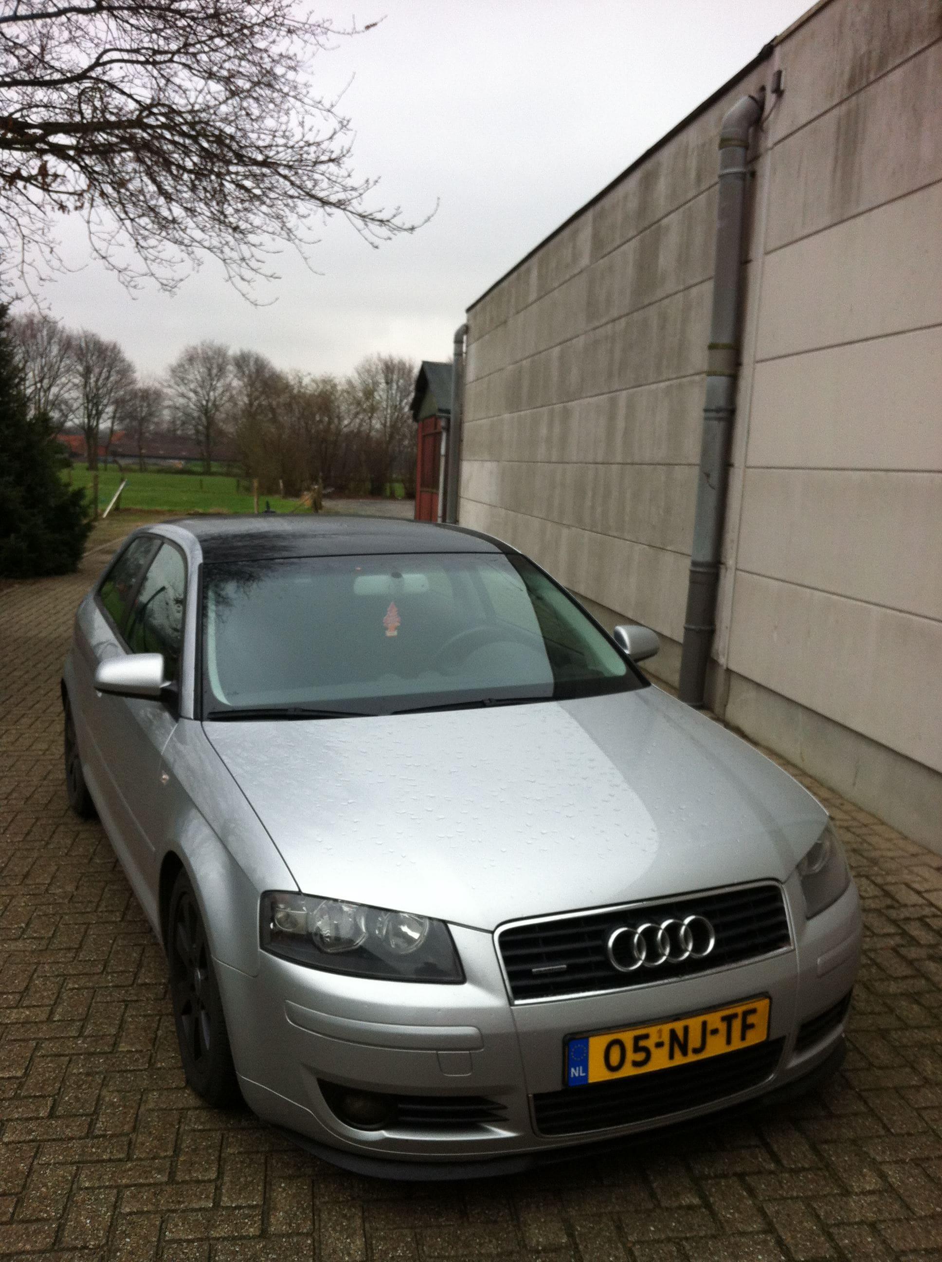 Audi A3 met Glans Zwart Dak, Carwrapping door Wrapmyride.nu Foto-nr:7468, ©2021