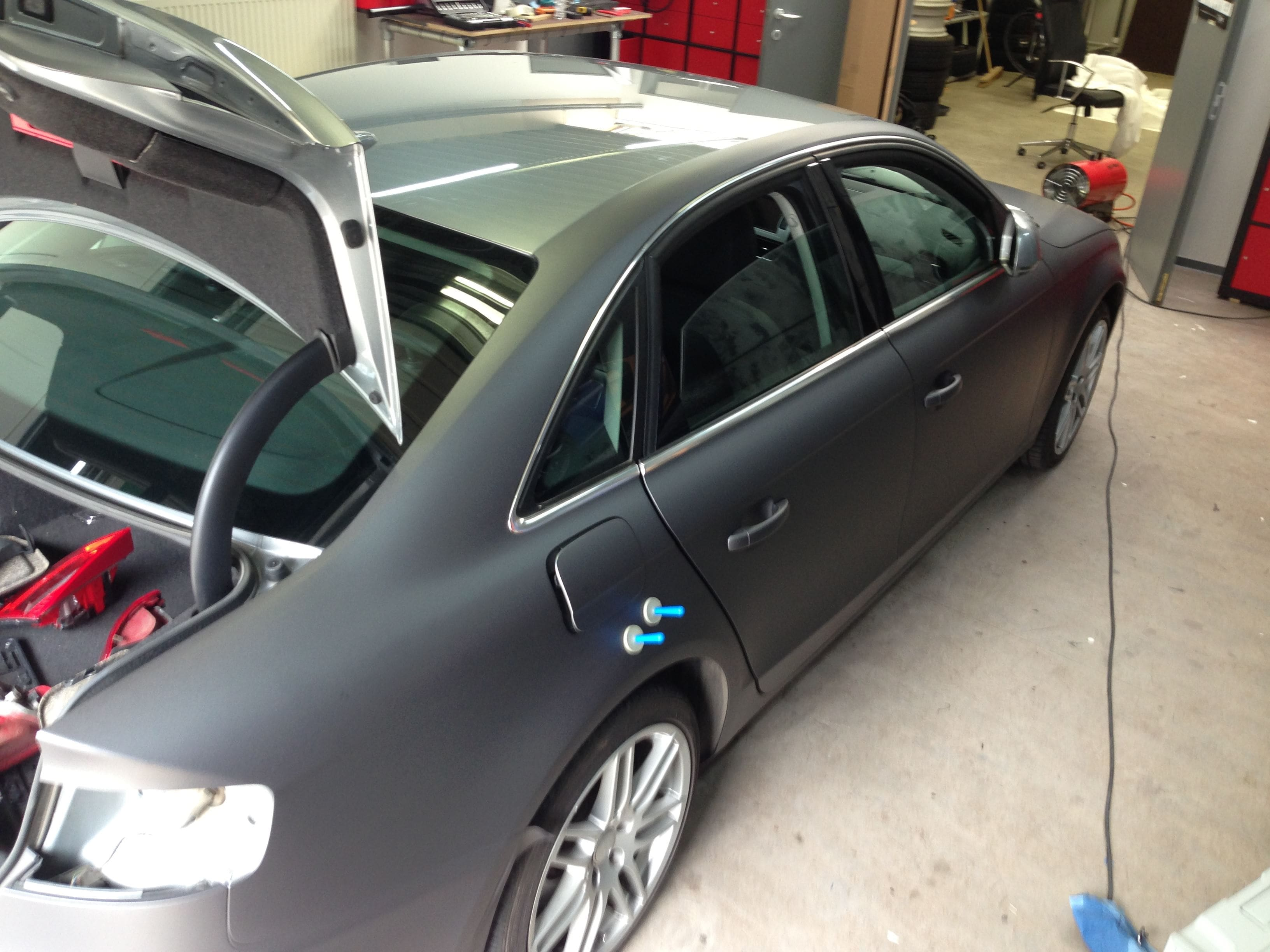 Audi A4 B6 met Gunpowder Wrap, Carwrapping door Wrapmyride.nu Foto-nr:4504, ©2021