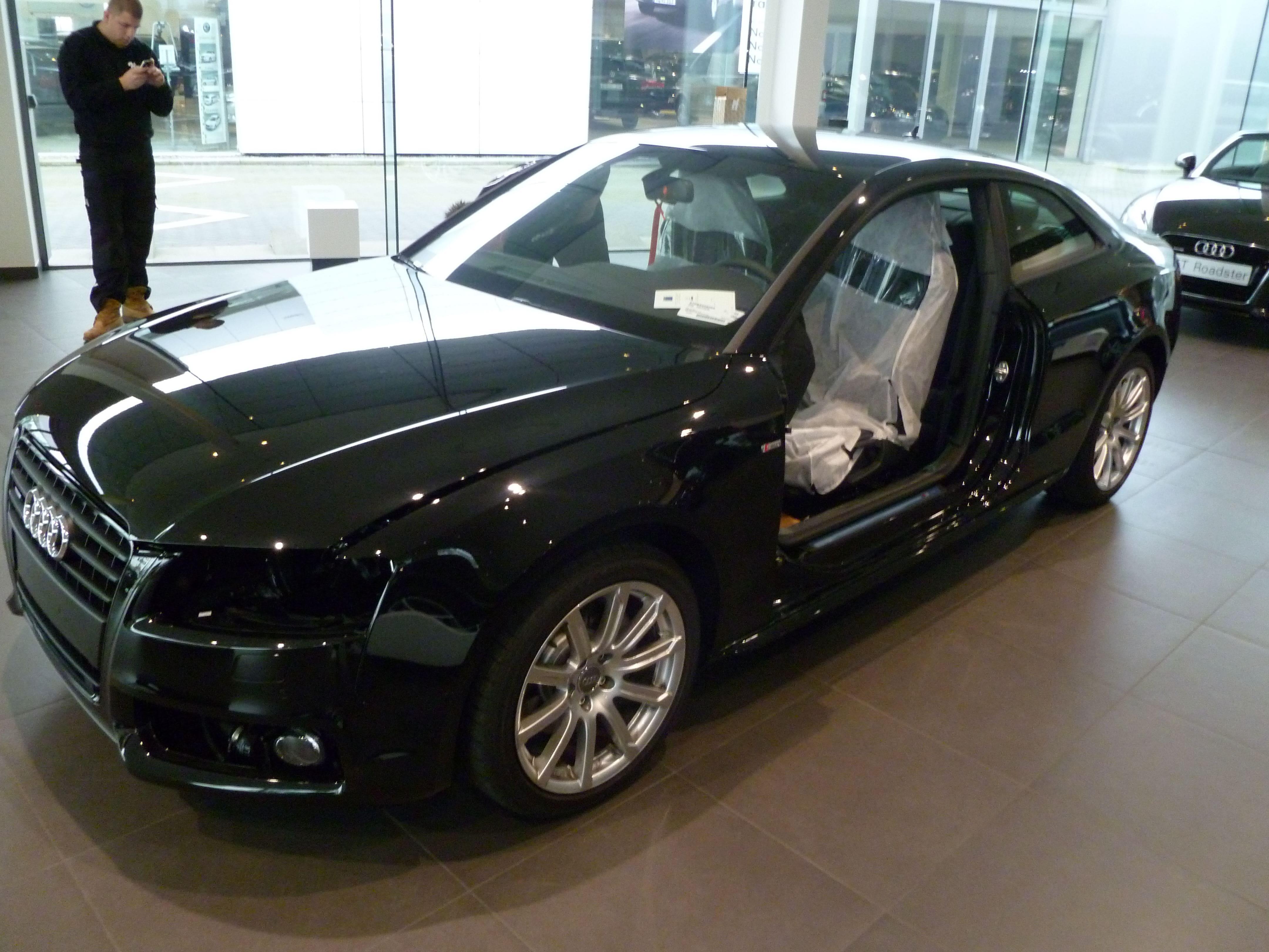 Audi A5 Coupe met Mat Zwarte Wrap, Carwrapping door Wrapmyride.nu Foto-nr:4611, ©2021