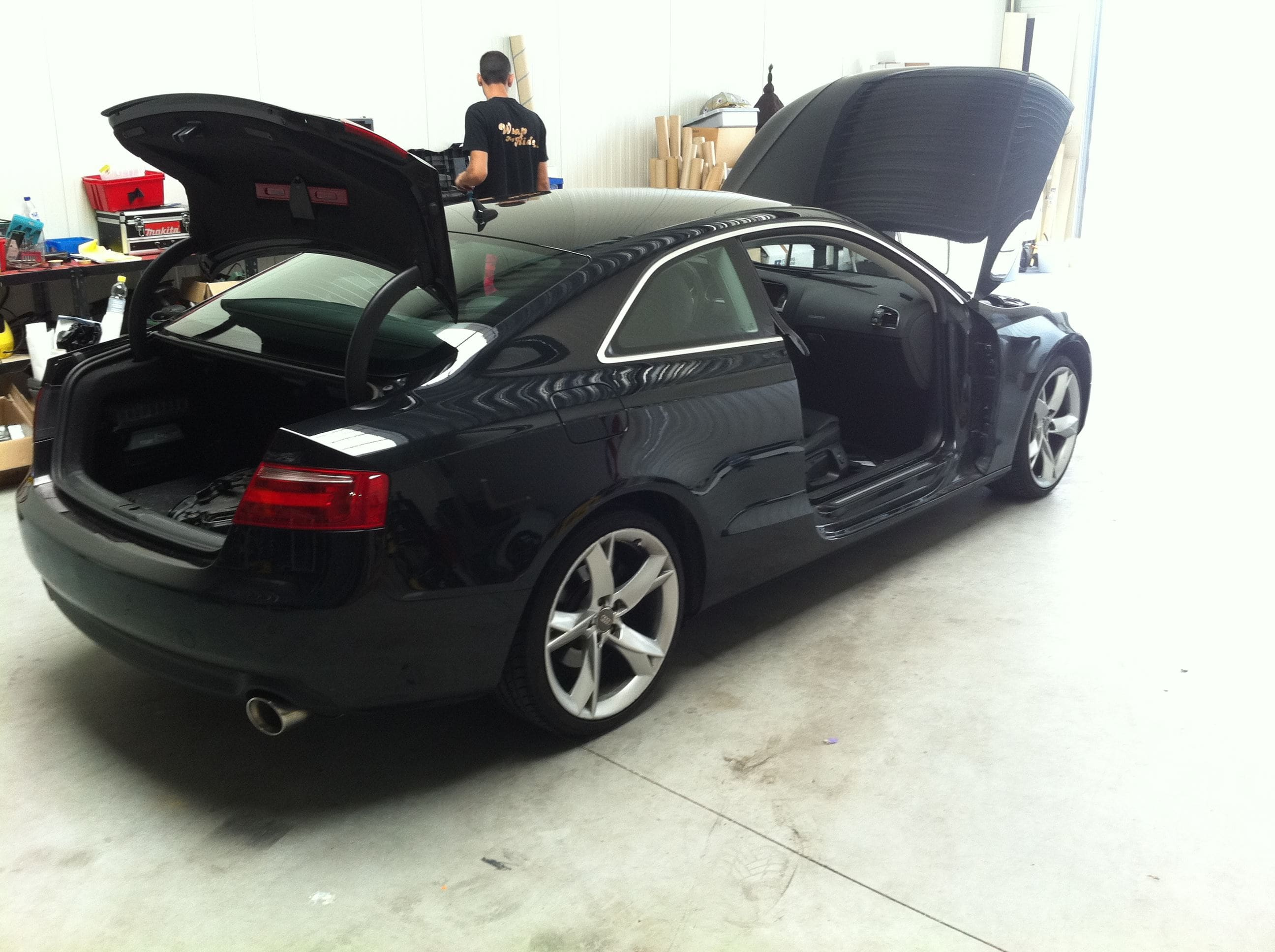 Audi A5 coupe met Metallic Witte Wrap, Carwrapping door Wrapmyride.nu Foto-nr:4661, ©2020