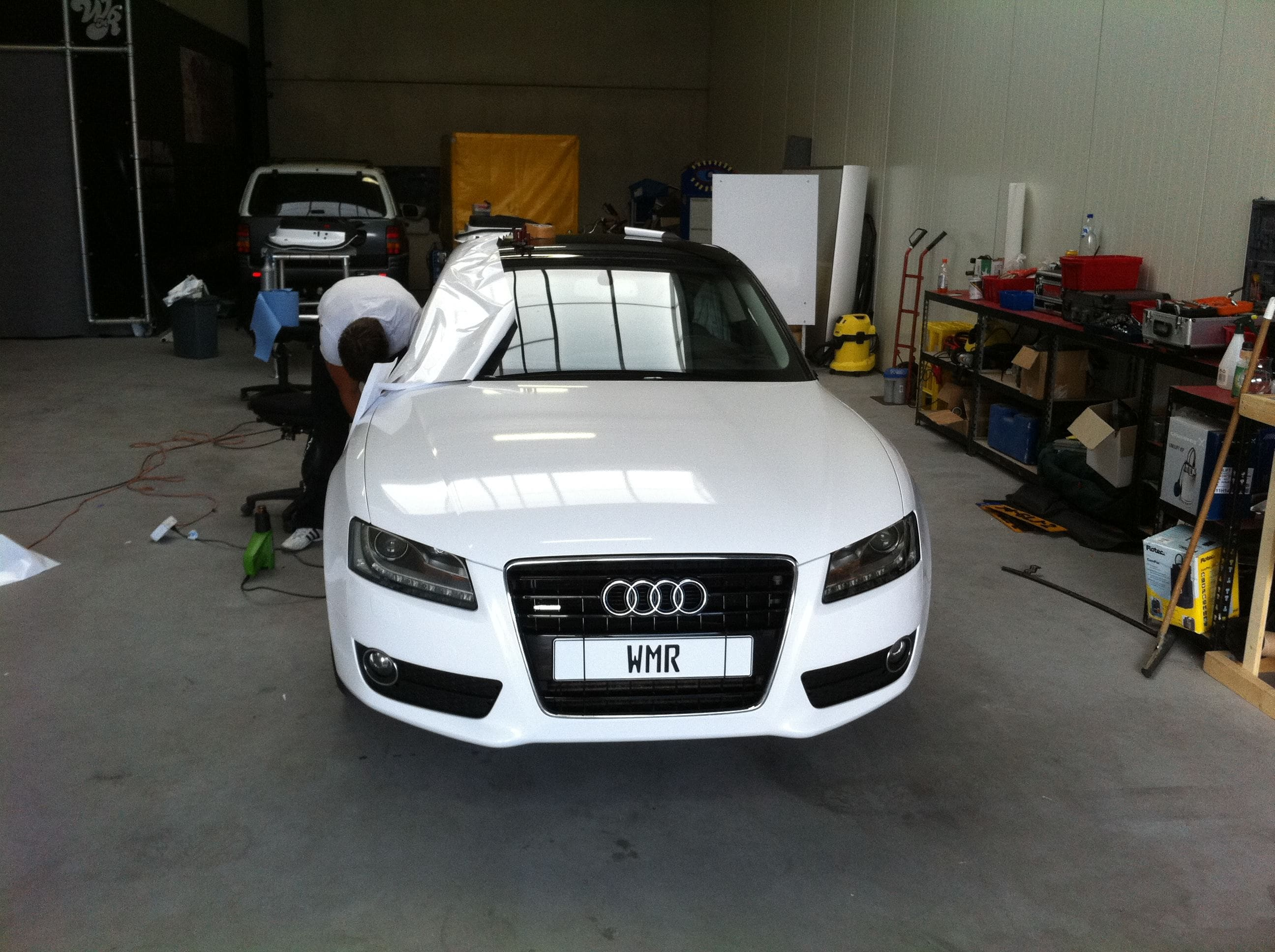 Audi A5 coupe met Metallic Witte Wrap, Carwrapping door Wrapmyride.nu Foto-nr:4663, ©2020