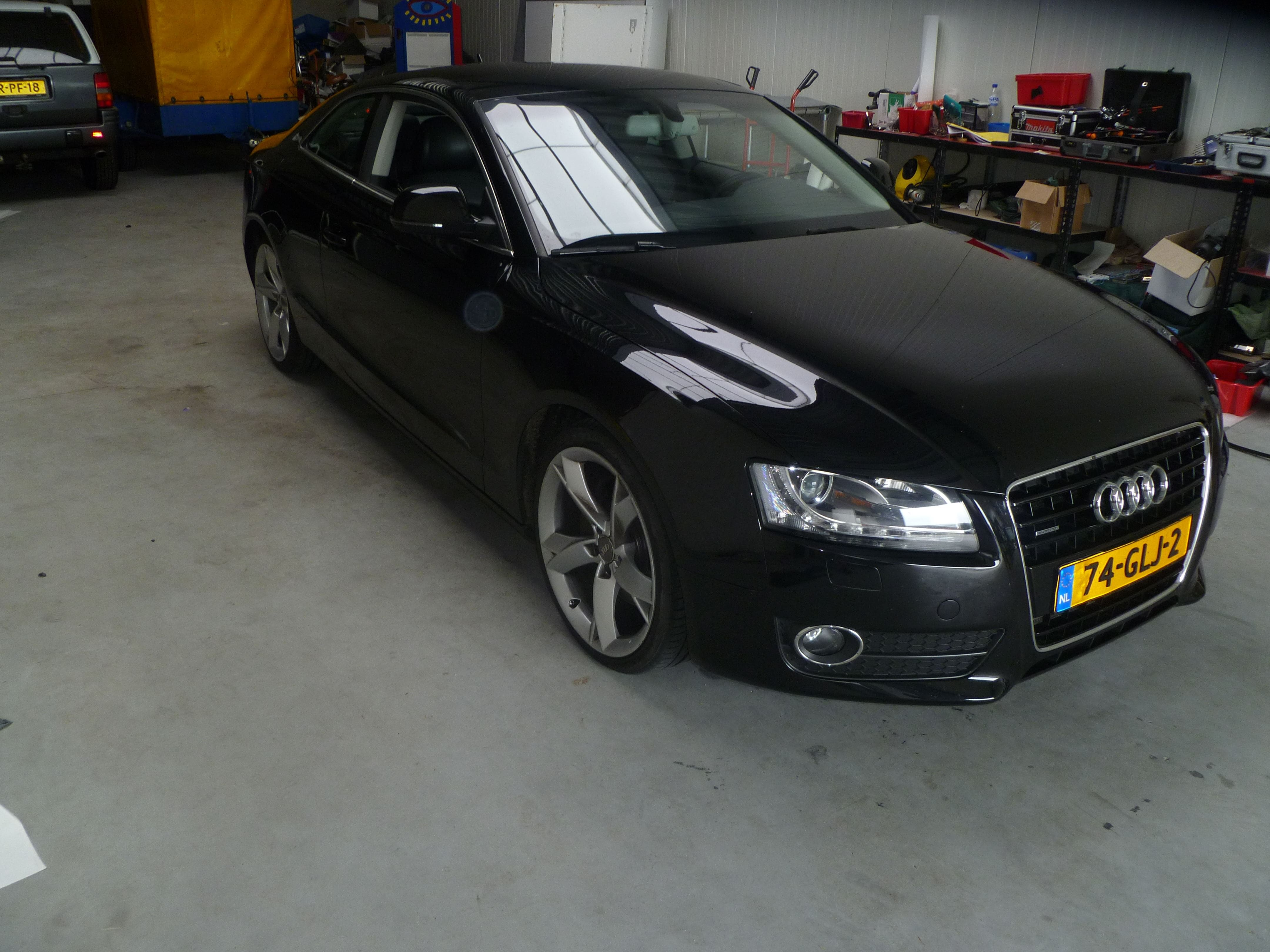 Audi A5 coupe met Metallic Witte Wrap, Carwrapping door Wrapmyride.nu Foto-nr:4671, ©2020