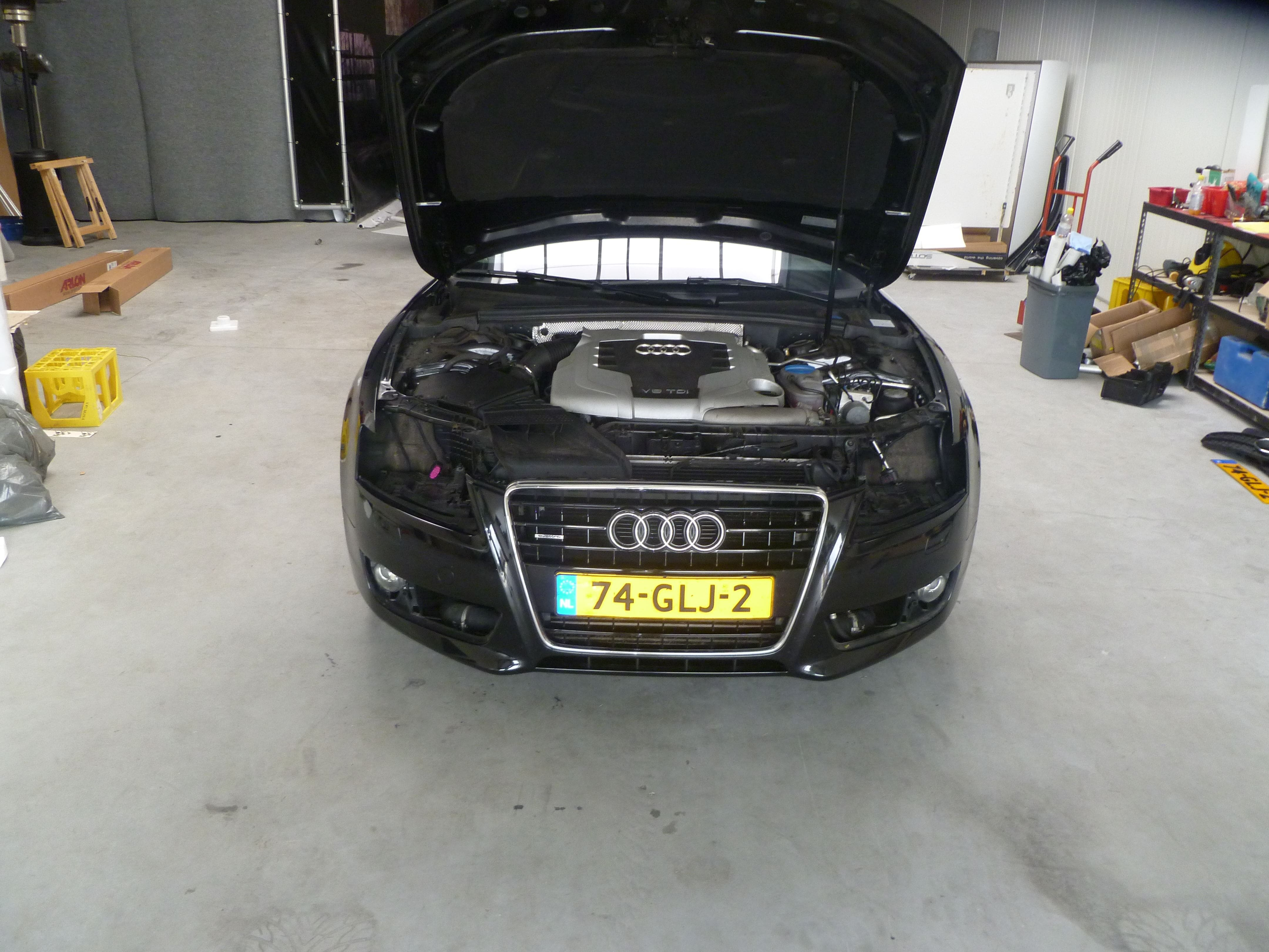 Audi A5 coupe met Metallic Witte Wrap, Carwrapping door Wrapmyride.nu Foto-nr:4678, ©2020