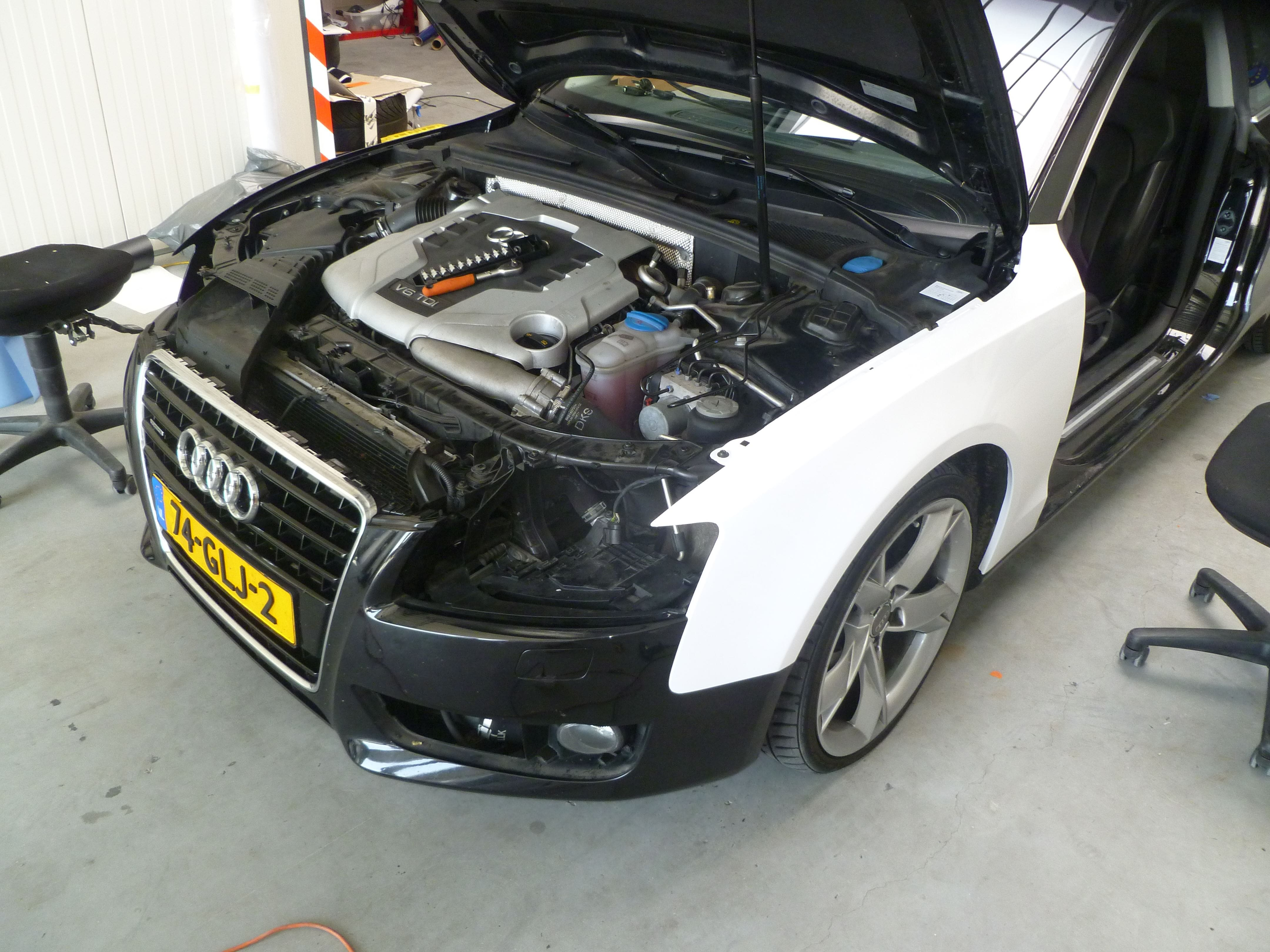 Audi A5 coupe met Metallic Witte Wrap, Carwrapping door Wrapmyride.nu Foto-nr:4685, ©2020