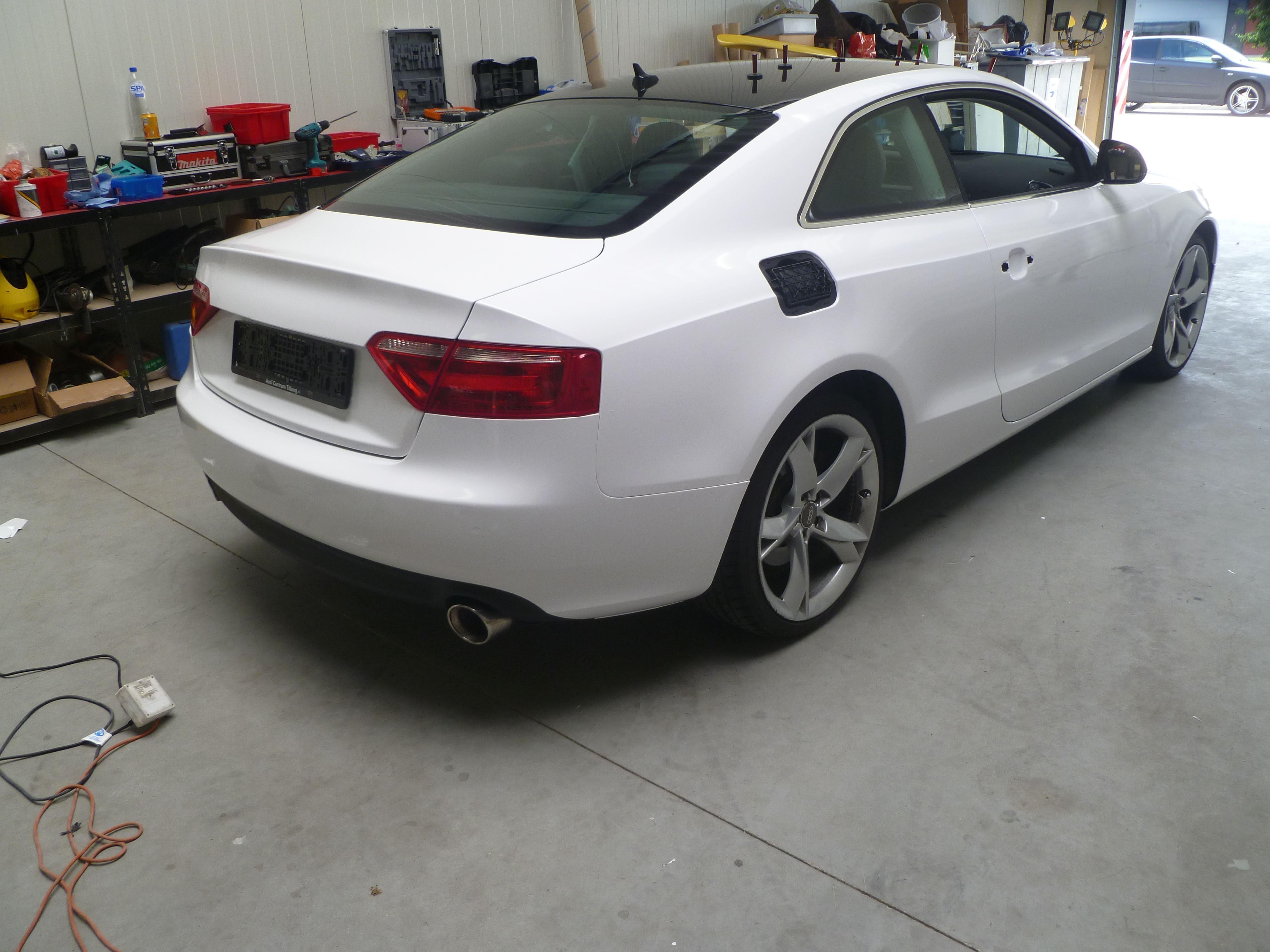 Audi A5 coupe met Metallic Witte Wrap, Carwrapping door Wrapmyride.nu Foto-nr:4727, ©2021
