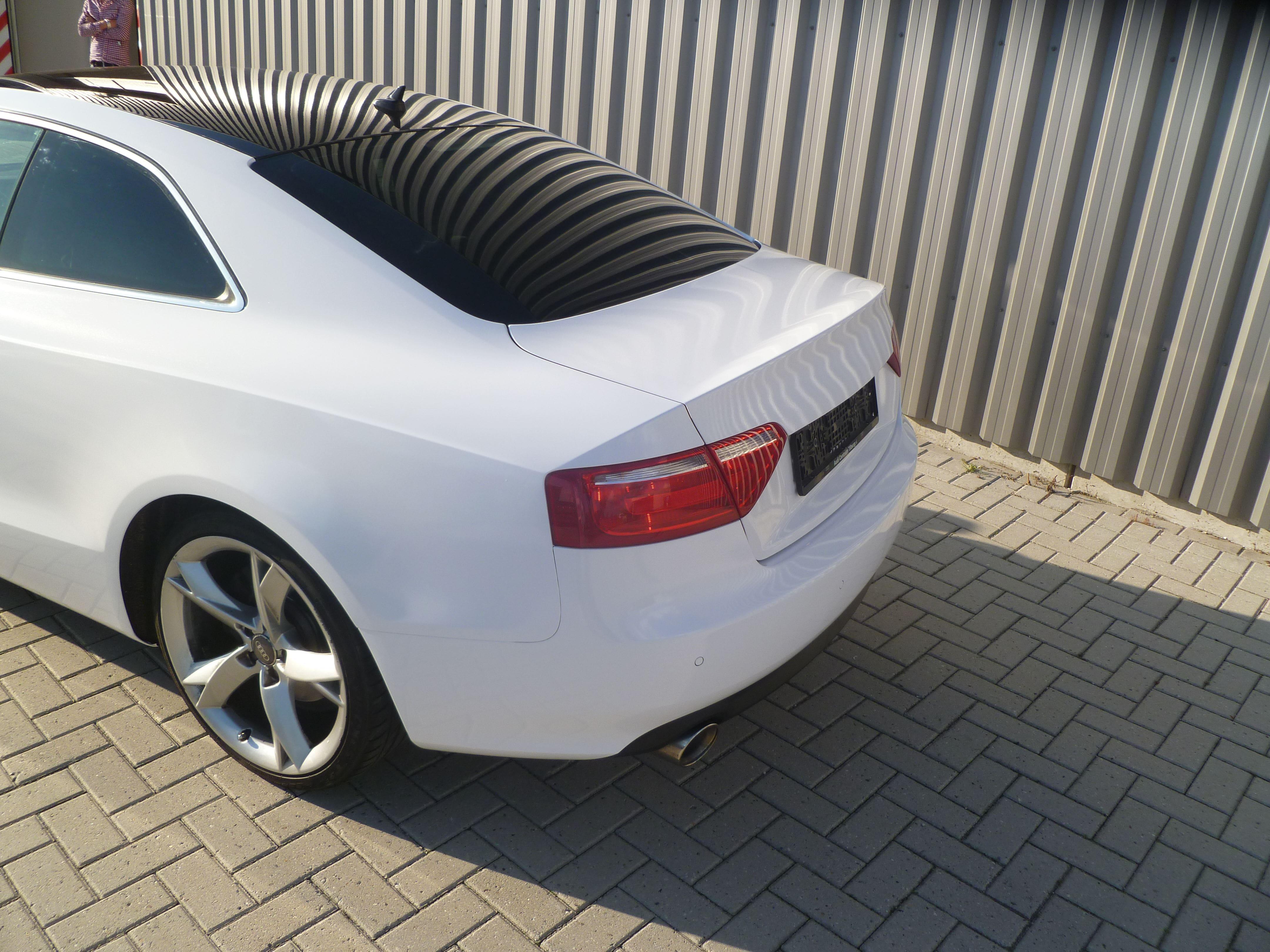 Audi A5 coupe met Metallic Witte Wrap, Carwrapping door Wrapmyride.nu Foto-nr:4747, ©2021