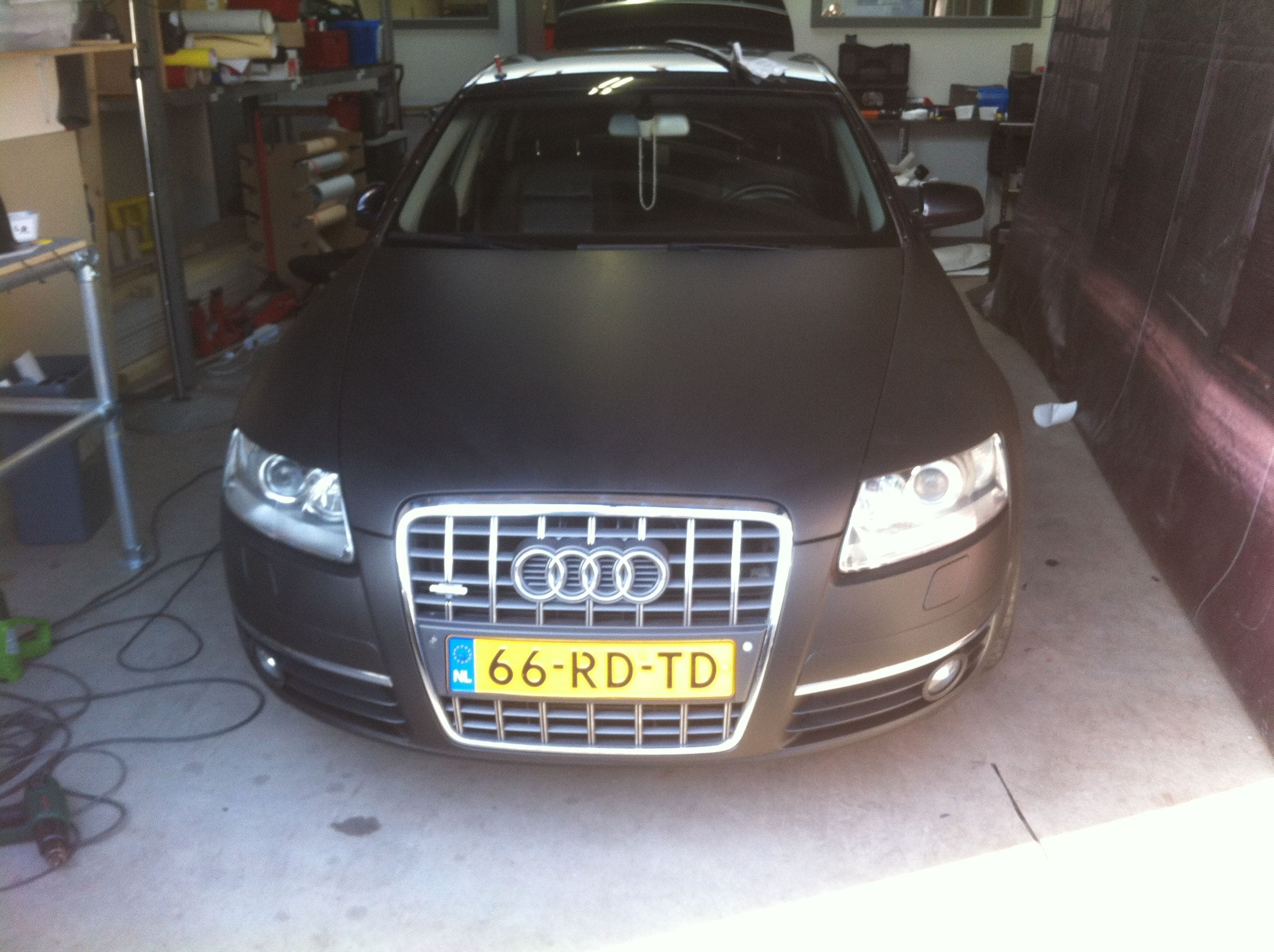 Audi A6 van Wit naar Mat Zwart, Carwrapping door Wrapmyride.nu Foto-nr:4809, ©2021