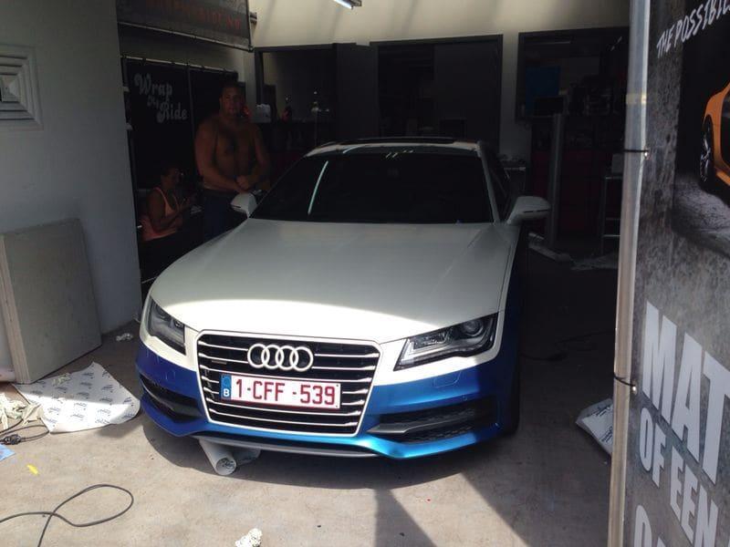 Audi A7 met Two Tone Wrap in Blauw en Wit, Carwrapping door Wrapmyride.nu Foto-nr:4856, ©2021