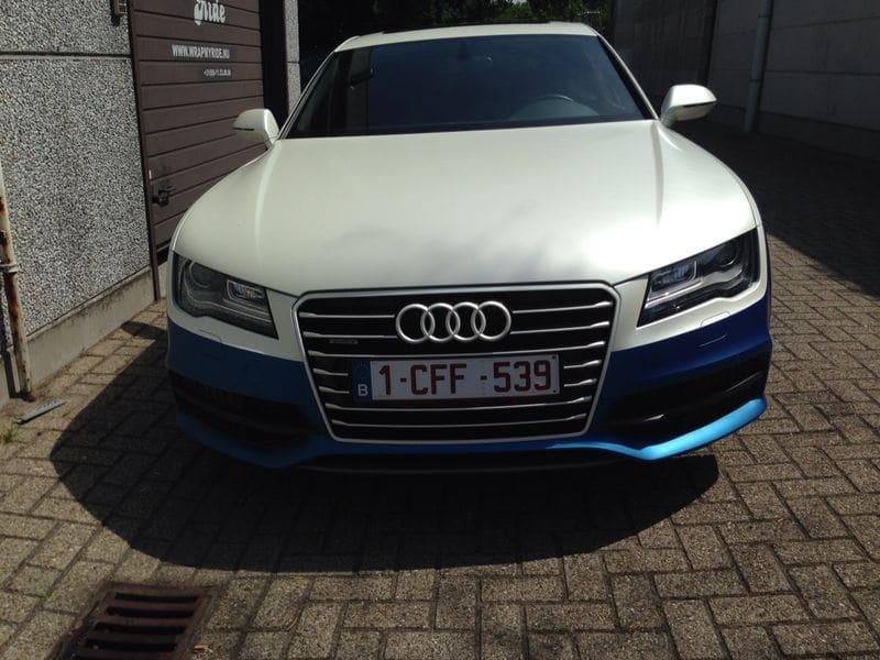 Audi A7 met Two Tone Wrap in Blauw en Wit, Carwrapping door Wrapmyride.nu Foto-nr:4859, ©2021