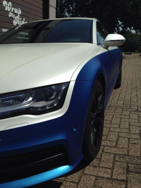 Audi A7 met Two Tone Wrap in Blauw en Wit, Carwrapping door Wrapmyride.nu Foto-nr:4860, ©2021