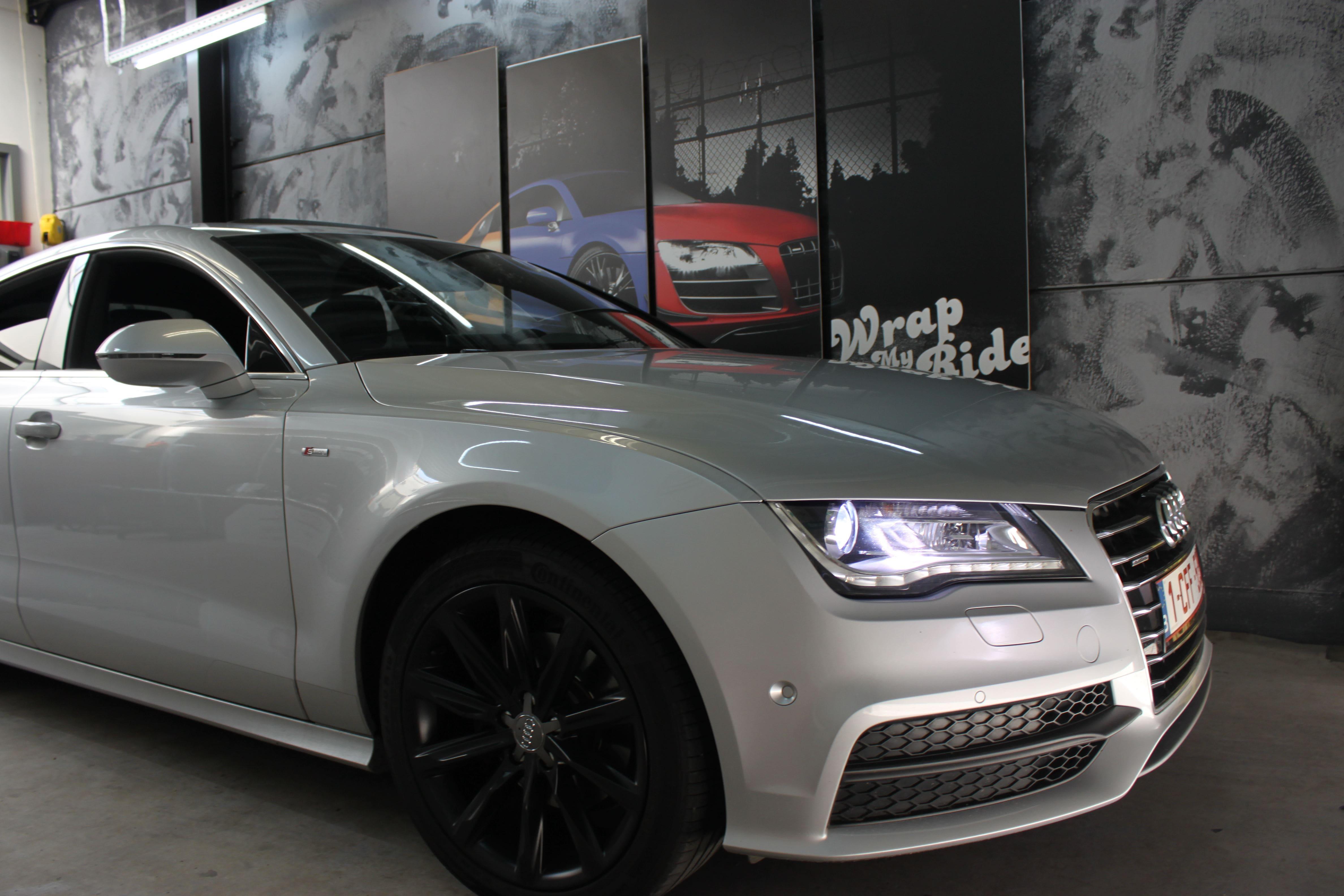 Audi A7 met Two Tone Wrap in Blauw en Wit, Carwrapping door Wrapmyride.nu Foto-nr:4864, ©2021