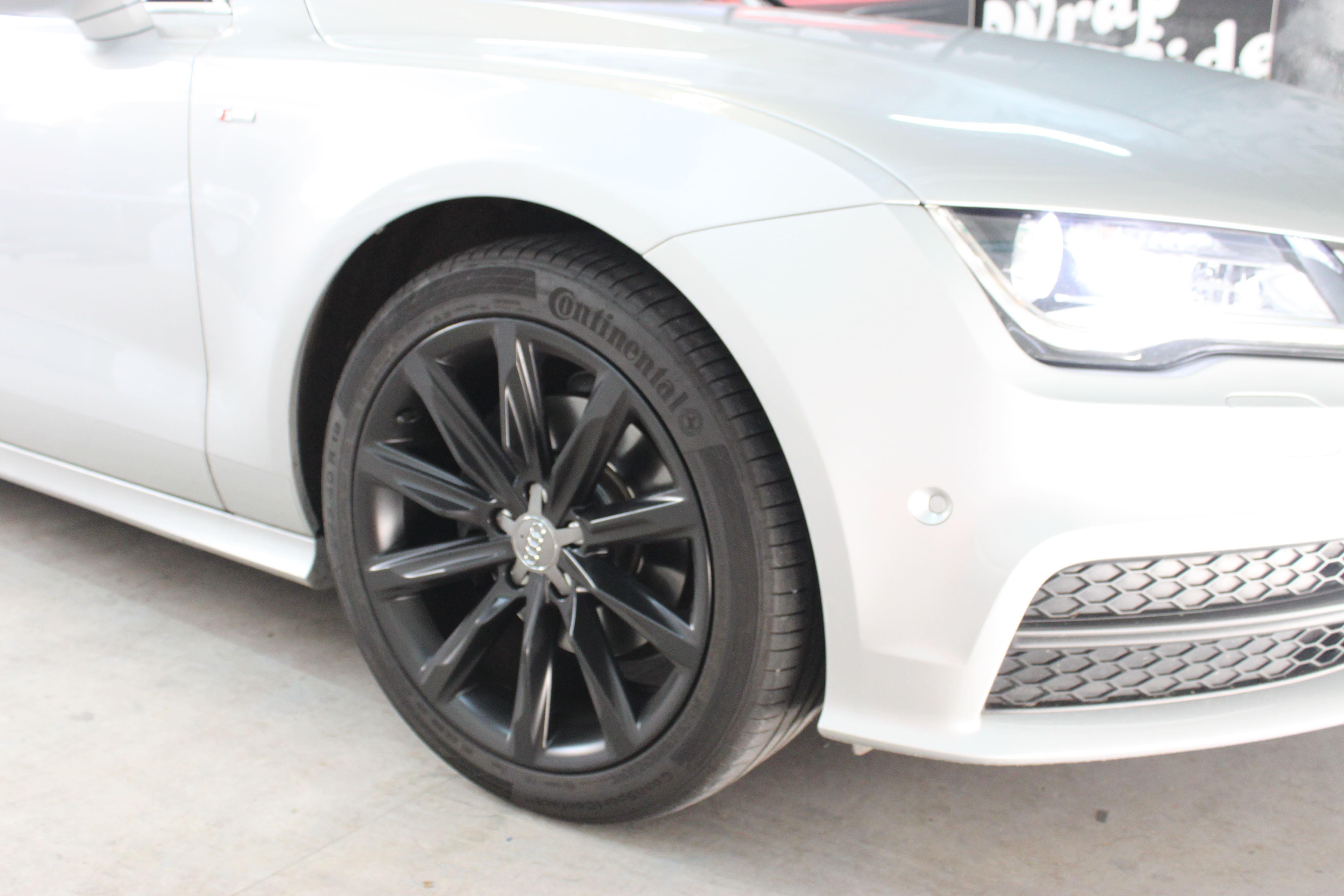 Audi A7 met Two Tone Wrap in Blauw en Wit, Carwrapping door Wrapmyride.nu Foto-nr:4865, ©2021