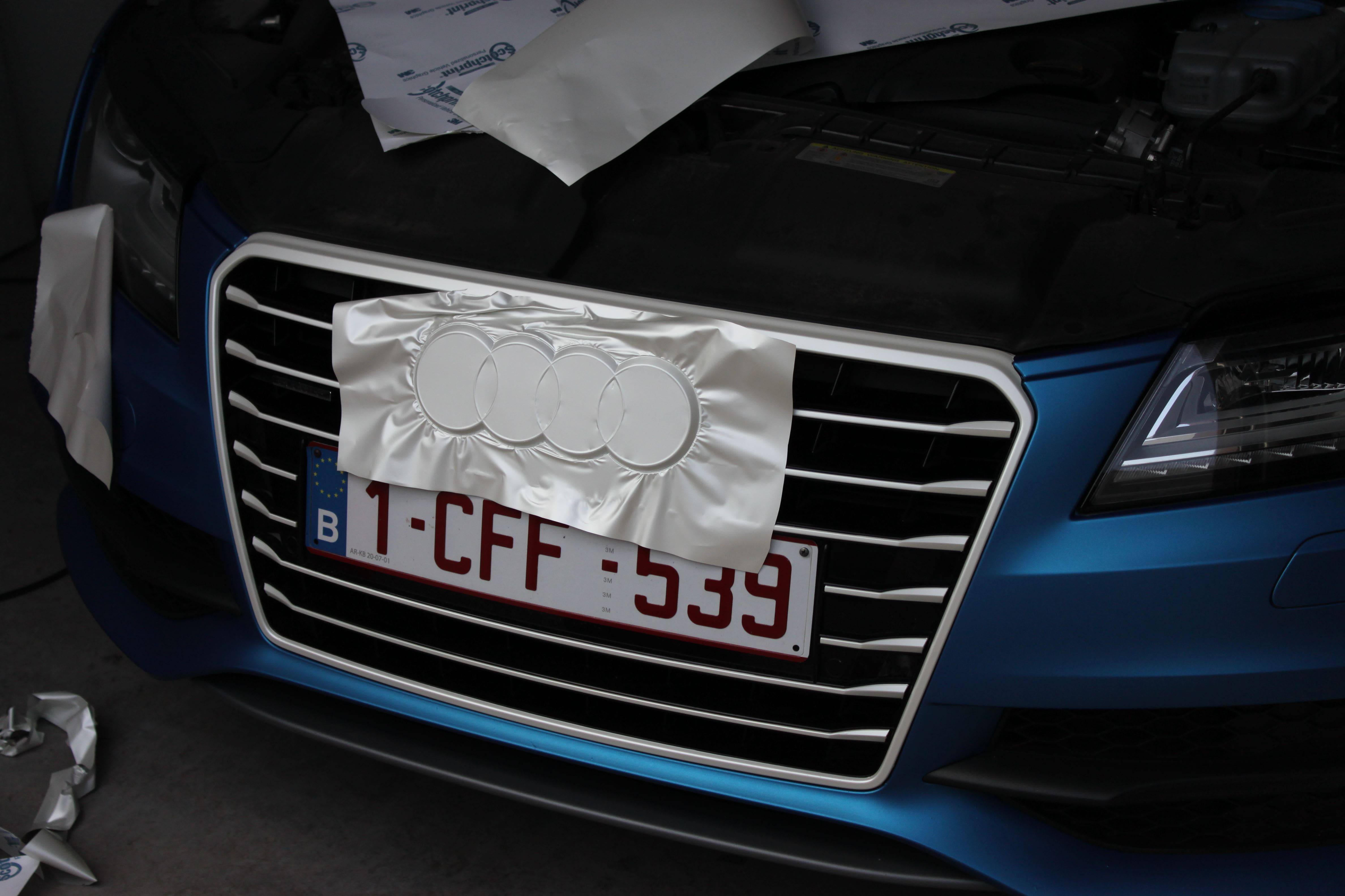 Audi A7 met Two Tone Wrap in Blauw en Wit, Carwrapping door Wrapmyride.nu Foto-nr:4876, ©2021