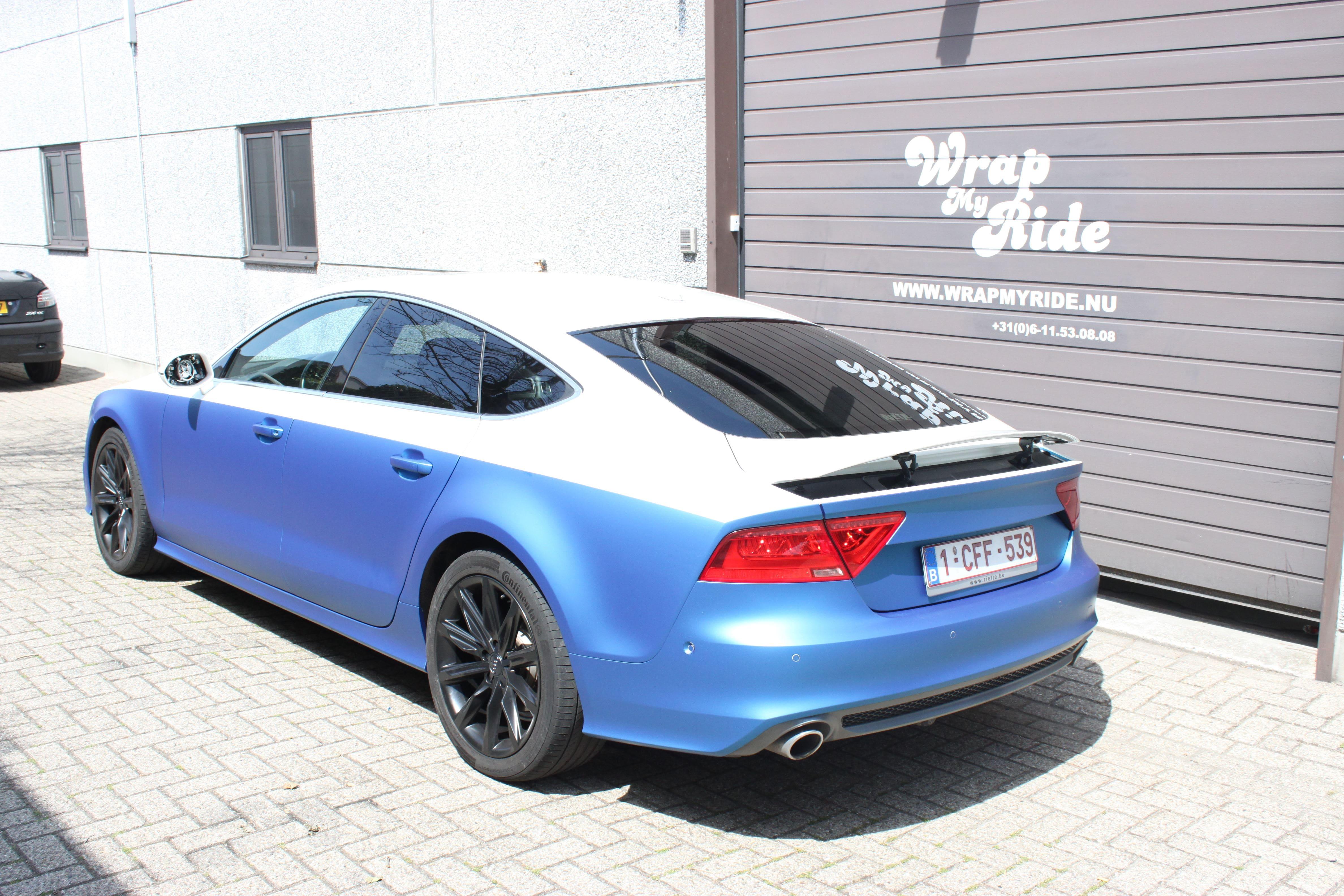 Audi A7 met Two Tone Wrap in Blauw en Wit, Carwrapping door Wrapmyride.nu Foto-nr:4879, ©2021