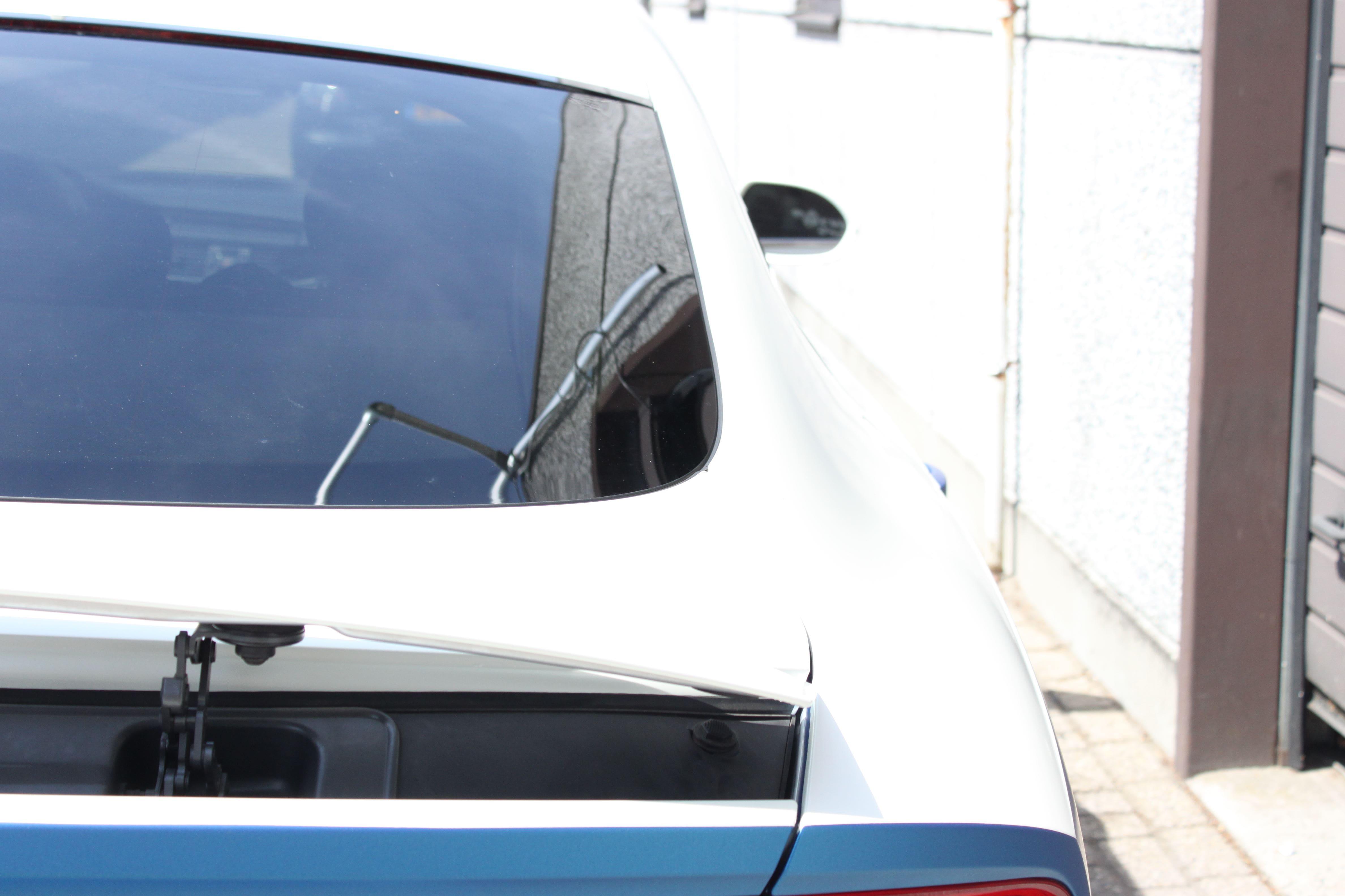 Audi A7 met Two Tone Wrap in Blauw en Wit, Carwrapping door Wrapmyride.nu Foto-nr:4882, ©2021