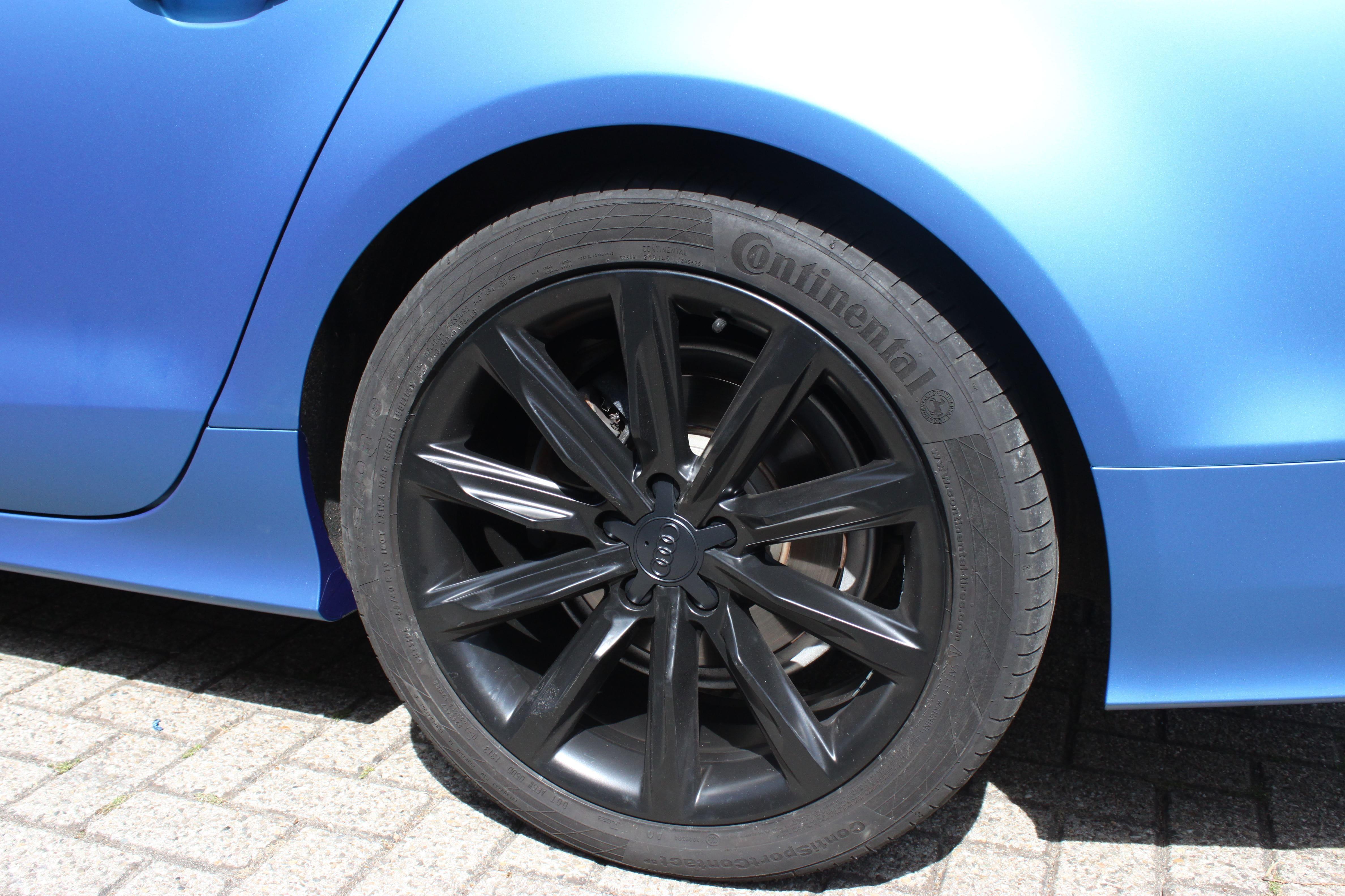Audi A7 met Two Tone Wrap in Blauw en Wit, Carwrapping door Wrapmyride.nu Foto-nr:4884, ©2021