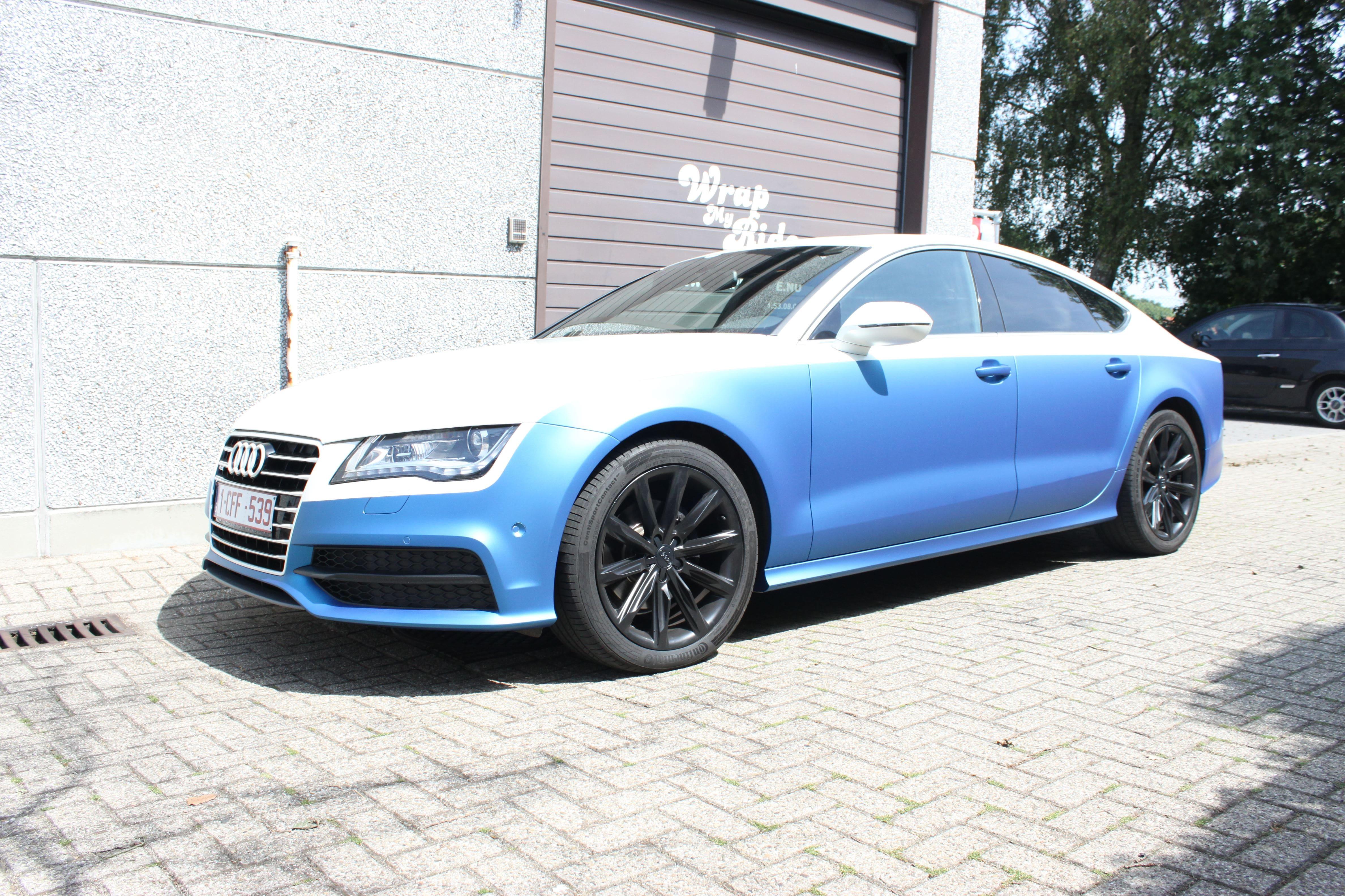 Audi A7 met Two Tone Wrap in Blauw en Wit, Carwrapping door Wrapmyride.nu Foto-nr:4886, ©2021