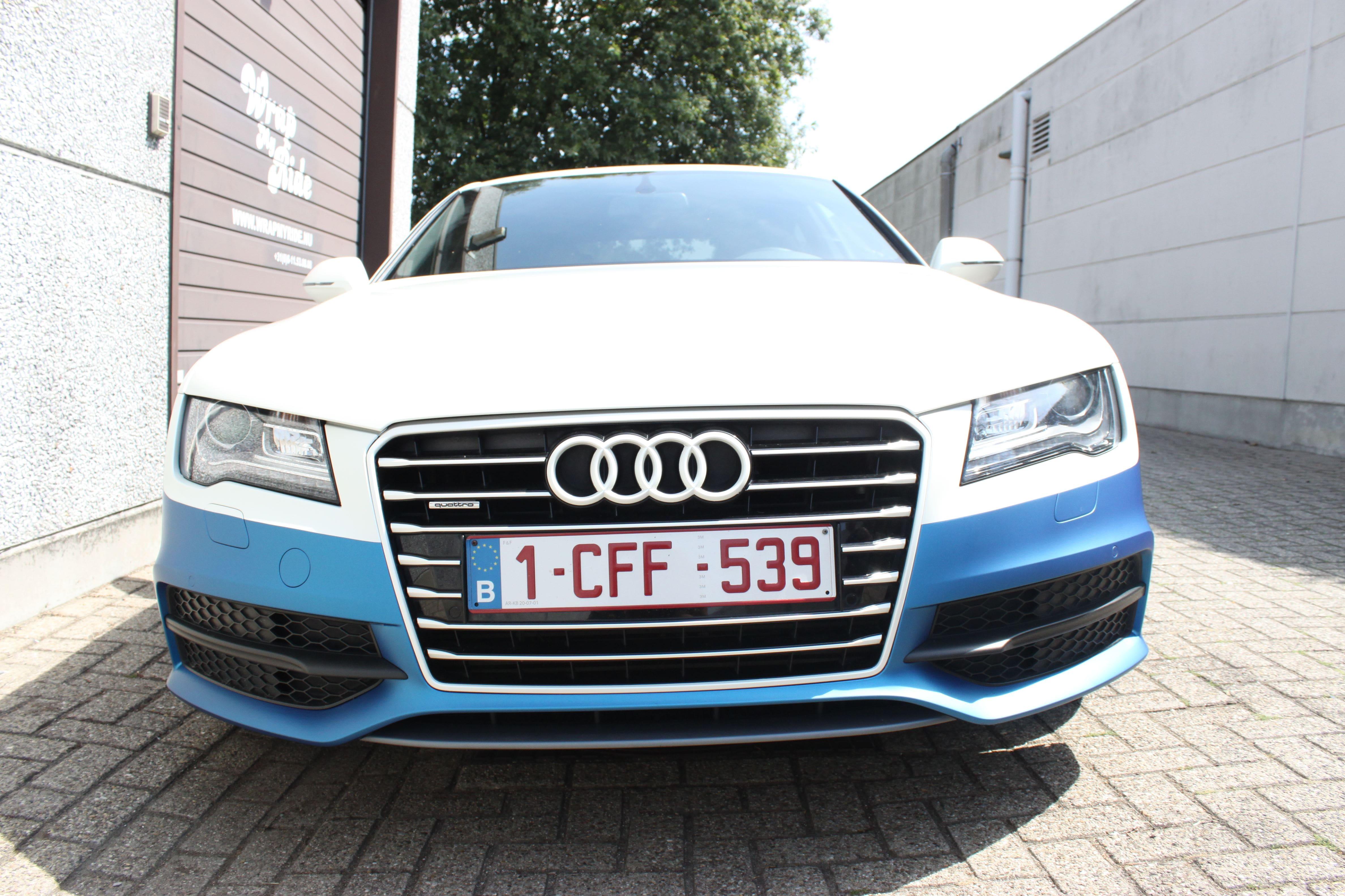 Audi A7 met Two Tone Wrap in Blauw en Wit, Carwrapping door Wrapmyride.nu Foto-nr:4887, ©2021