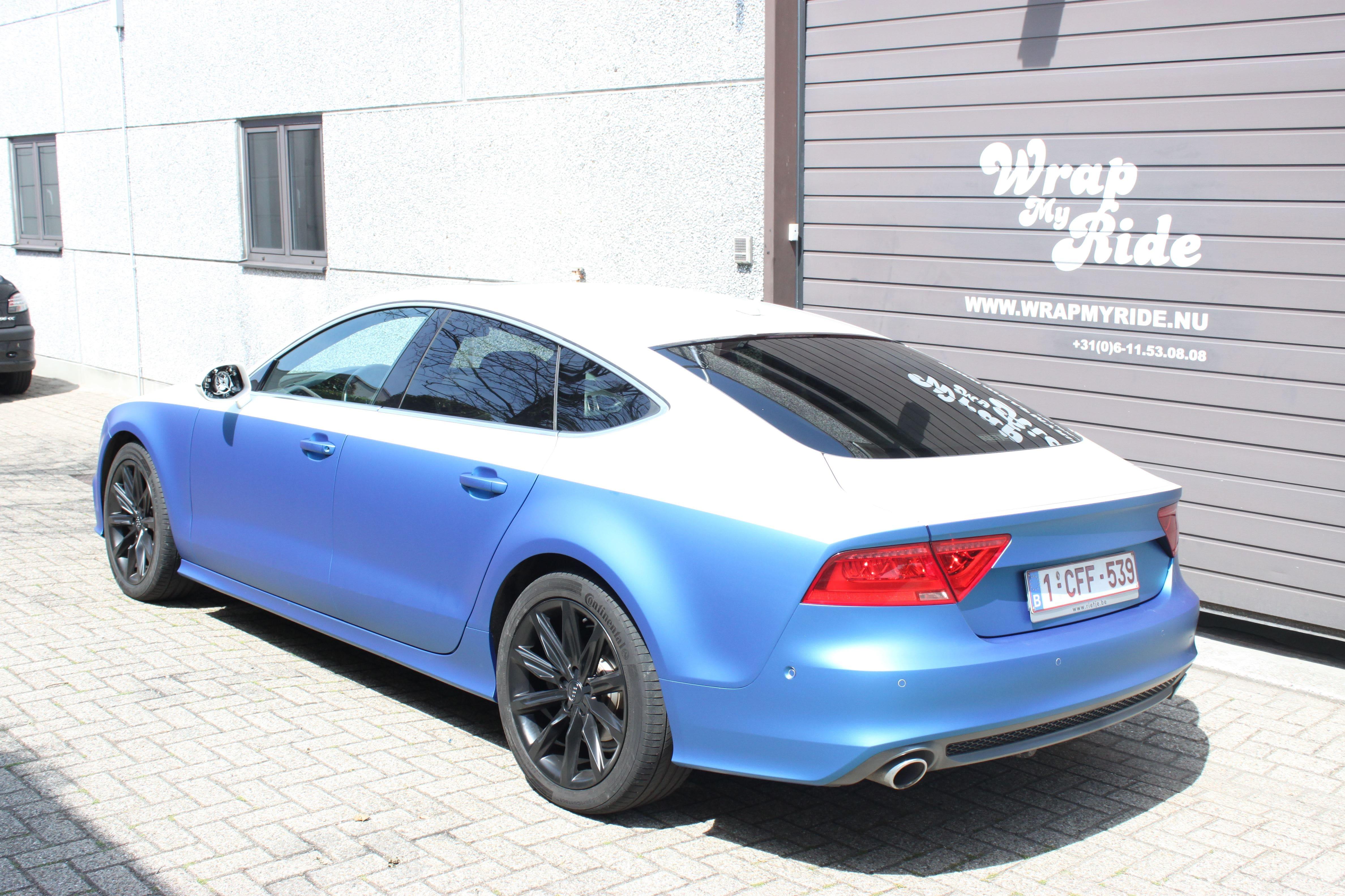 Audi A7 met Two Tone Wrap in Blauw en Wit, Carwrapping door Wrapmyride.nu Foto-nr:4890, ©2021